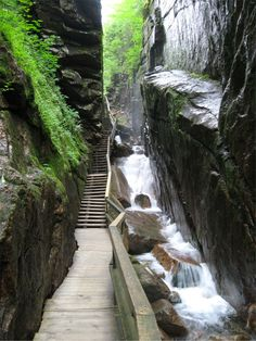 This is an awesome place to visit! So neat! Franconia Notch State Park is located in the heart of the White Mountain National Forest.