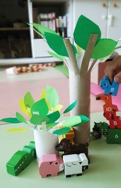 Love how these trees are made from cardboard paper tubes Toilet Paper Roll Crafts, Paper Crafts For Kids, Craft Activities For Kids, Diy Arts And Crafts, Creative Crafts, Preschool Crafts, Diy For Kids, Easy Crafts, Art Drawings For Kids