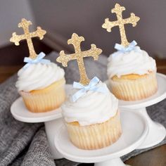 Our Confetti Momma Cross Cupcake Toppers are perfect for First Communion. They will make your home made or store bought cupcakes look like a million bucks. Created with a premium no-shed glitter. Baptism Party Decorations, First Communion Decorations, First Communion Party, Communion Cakes, Balloon Decorations, Boy Baptism Centerpieces, Baby Boy Christening Decorations, First Communion For Boys, Baptism Desserts