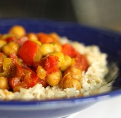 Crock Pot Chickpea Curry http://www.52kitchenadventures.com/2011/04/11/slow-cooker-monday-chickpea-curry/