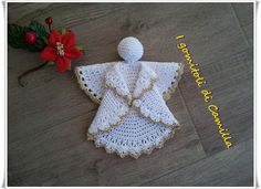 Angelo decorativo all'uncinetto Crochet Christmas Ornaments, Holiday Crochet, Christmas Crafts, Crochet Angels, Crochet Hats, Photo Layouts, All Craft, Camilla, Crochet Projects