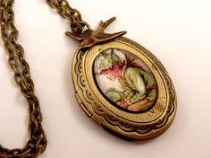 Edle Medaillon Halskette in bronze mit schönem von Schmucktruhe