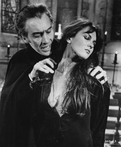 Christopher Lee as Count Dracula and Caroline Munro Sexy Horror, Retro Horror, Horror Icons, Vintage Horror, Hammer Movie, Hammer Horror Films, Hammer Films, Arte Horror, Horror Art