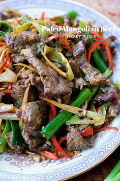 Paleo Mongolian Beef with juicy sizzling hot steak, stir-fried in a savory and sweet sauce. Taste the best Keto, and Gluten-free Mongolian beef! Healthy Chinese Recipes, Easy Delicious Recipes, Asian Recipes, Ethnic Recipes, Tasty, Paleo Stir Fry, Stir Fry Recipes, Paleo Recipes, Paleo Food