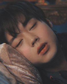 Ong Seung Woo, Instyle Magazine, Cosmopolitan Magazine, Kim Woo Bin, Bae Suzy, Kim Jaehwan, Ha Sungwoon, Love Me Forever, Flower Boys
