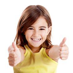 Pentru a urmari evolutia dintilor, la copiii sub 12 ani se recomanda un control si periaj profesional, la fiecare 3 luni.