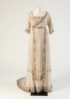 """fripperiesandfobs: """" Lucile wedding dress, 1908 From the Fashion Museum, Bath on Twitter """""""