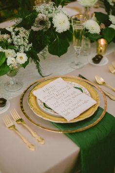 As much as I'm a summer wedding gal and can't imagine getting hitched any other season, I love attending fall and winter weddings. And after seeing this charming shoot atThe Merriman-Wynne House, I'm feeling quite cozy envisioning myself walking over