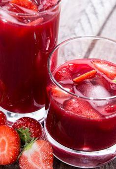 Nalewka z truskawek - przepis na nalewkę truskawkową na wódce