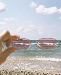 Image shared by 𝕴 𝖉𝖔𝖓'𝖙 𝖈𝖆𝖗𝖊. Find images and videos about pink, vintage and aesthetic on We Heart It - the app to get lost in what you love. Beach Aesthetic, Aesthetic Vintage, Aesthetic Photo, Pink Aesthetic, Aesthetic Pictures, Aesthetic Bedroom, Aesthetic Grunge, Collage Mural, Bedroom Wall Collage