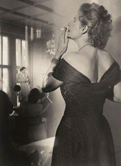 Heinz Hajek-Halke, Beim Mode-Tee c1930  Reminds me of a princess I know.