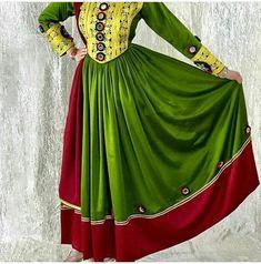 Traditional Fashion, Traditional Dresses, Afghan Music, Afghani Clothes, Afghan Wedding, Afghan Girl, Afghan Dresses, Types Of Dresses, I Dress