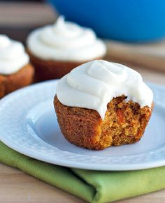 Low FODMAP Recipe and Gluten Free Recipe - Carrot cake cupcakes (update) http://www.ibssano.com/low_fodmap_dessert_carrot_cake_cupcakes.html