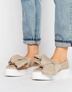 Zapatillas de lona con detalle de lazo de River Island