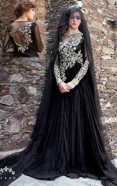 Picture of Scintillating Black Color Gown