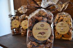 Si possono acquistare i prodotti tipici e i gadgets Salento Lovers presso Palazzo Persone' nel centro storico di Lecce. http://www.salentolovers.com/