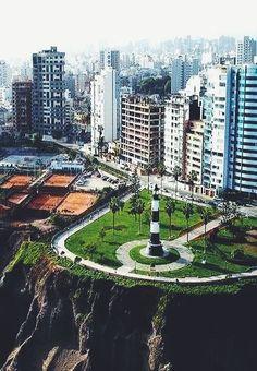 el faro en Lima, Perú. . este lugar tendrá mi corazón para siempre