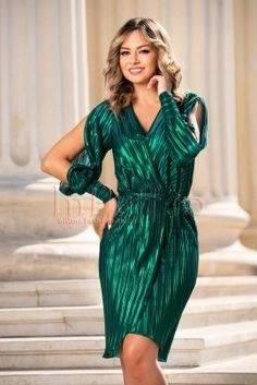 Rochie de seara plisata verde Bodycon Dress, Dresses With Sleeves, Long Sleeve, Floral, Fashion, Tulle, Green, Gowns With Sleeves, Moda