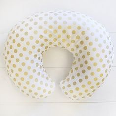 This gold boppy pillow cover is made in our Quarter Dot Glitz fabric. Boppy Cover Features: • Use with Boppy Feeding & Infant Support Pillows sold separately. • Available in a variety of fabrics. • Ma