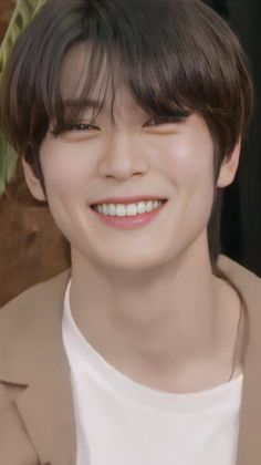 Cute Relationship Goals, Cute Relationships, Valentines For Boys, Jung Jaehyun, Jaehyun Nct, Beautiful Smile, Boyfriend Material, Nct 127, Nct Dream
