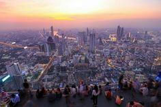 Top 10 Rooftop Bars in Bangkok: Die genialsten Skybars Sky Bar Bangkok, Hotels In Bangkok, Rooftop Bar Bangkok, Bangkok Shopping, Best Rooftop Bars, Bangkok Travel Guide, Thailand Travel, Khao San Road, Travel