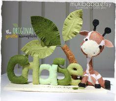 BABY NAME - custom kid's decor- personalized baby decor - baby giraffe - elephant - children room decor - safari baby - baby lion - di mukibaba su Etsy https://www.etsy.com/it/listing/97094499/baby-name-custom-kids-decor-personalized