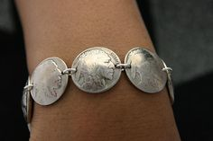 Coin Jewelry Vintage Buffalo Nickle Coin Bracelet Sterling Silver Links. $45.00, via Etsy.                                                                                                                                                     Más