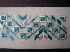 This Pin was discovered by Neş Hardanger Embroidery, Learn Embroidery, Ribbon Embroidery, Embroidery Stitches, Embroidery Patterns, Cross Stitch Borders, Cross Stitch Alphabet, Cross Stitch Patterns, Swedish Weaving