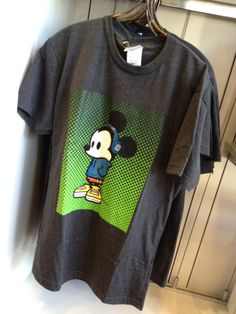 NEW - Warm Up Mickey t-shirt #WonderGround Gallery