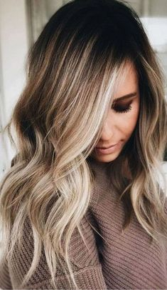The Balayage highlights should be very close and soft at the root leading to a thicker highlight 2018 at the ends of the hairs for various hair lengths. See here the most charming and cute ideas of balayage hair colors to make you look more cute, sexy and Medium Hair Styles, Natural Hair Styles, Short Hair Styles, Updo Styles, Natural Updo, Style Long Hair, Medium Long Hair, Natural Makeup, Brown Blonde Hair