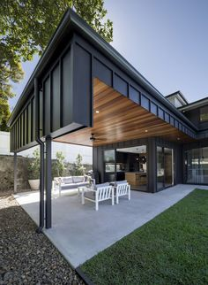 House Cladding, Exterior Cladding, Facade House, Zinc Cladding, Sustainable Building Design, Residential Building Design, Long House, Unusual Homes, House Extensions