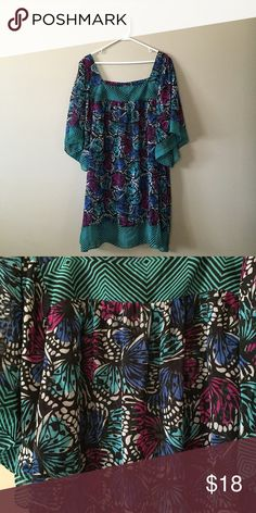 Pretty Patterned Dress Worn once. Has black slip. 100% polyester.  ***Clothes may be wrinkly in photos due to being folded and stored in totes. Clothes are from a smoke free home. I may be up for trades if your items are sized 1X and up and shoe size 8.5. If you need measurements or just have questions about an item just ask! Orders will be shipped within 3 days.*** Pure Energy Dresses