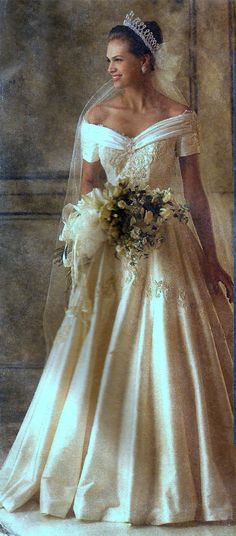 McCalls Pattern 6951 #Bridal Gowns & Bridesmaids Dress Size 18 Alicyn Exclusives #McCalls