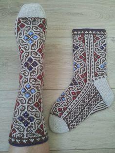 Ravelry: -HandKnit-'s Socks Labyrinthine Knitted Socks Free Pattern, Knitting Socks, Hand Knitting, Knit Shoes, Sock Shoes, Knitting Designs, Knitting Projects, Knitting Charts, Knitting Patterns