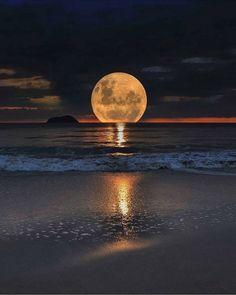 MARAVILLOSO MUNDO — Bella luna…