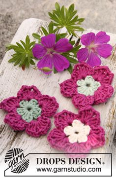 "Crochet DROPS geranium flowers in ""Safran"". ~ DROPS Design"