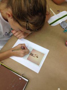 Xup-xup creatiu d'estiu: Cada participant crea una invitació a partir dels seus personatges