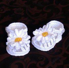 Hermosos modelos de zapatos para niños tejidos a crochet