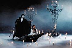 Nur noch ein Monat und dann heißt es wieder: Ganz nah ist das Phantom der Oper da, es lebt in mir. ~