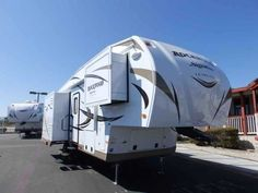 2016 New Forest River ROCKWOOD 8285 IKWS, 3 SLIDES, REAR RECLINER CHAIRS Fifth Wheel in California CA.Recreational Vehicle, rv, WE DO NOT CHARGE FOR PDI OR PREP FEE LIKE MOST OTHER DEALER'S! NEW 2016 Rockwood Signature Ultra Lite 8285 IKWS MODEL, 31 FT 5TH WHEEL TRAVEL TRAILER, DRY WEIGHT 7977 LBS, 3 SLIDES, POWER PACKAGE, MIDDLE ISLAND KITCHEN, FRONT QUEEN BED, REAR LAZY BOY RECLINER CHAIRS, **UPGRADED PLATINUM PACKAGE**, **UPGRADED CONVENIENCE PACKAGE F**, FIBERGLASS GEL COATED FINISH