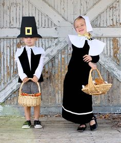 Pretend Pilgrims TUTORIAL (simple hats, vest, shawl, and skirt).  Diy holiday family photos & fun group pictures with props.