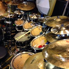 Zildjian Cymbals, Old Rock, Drummer Boy, Snare Drum, Drum Kits, Music Stuff, Music Is Life, Musical Instruments, Acoustic