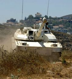 A French Leclerc tank of UNIFIL's Quick Reaction Force conducting manoeuvres in south Lebanon. 1 Century, Mechanical Gears, Far Future, French Army, Military Weapons, Military Vehicles, Statue Of Liberty, Boat, Tanks