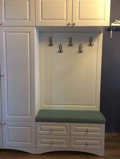 Bedroom Bed Design, Bedroom Decor, Mudroom Cabinets, Closet Layout, Living Room Tv, Kitchen Cabinet Design, Home Interior Design, Home Projects, Small Bathroom