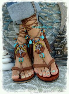 schmuck Brown Yggdrasil Tree of Life Barefoot Turquoise Sandals from GPyoga Article Physique: Listed Bohemian Shoes, Boho Gypsy, Hippie Boho, Boho Fashion, Fashion Shoes, Hippie Stil, Crochet Sandals, Mode Boho, Sexy Toes