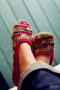 Crochet slippers?! I can totally amp these up for warmth... Looks like a good way to use leftover yarn!