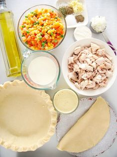 Easy chicken pot pie recipe you can make with shredded rotisserie chicken! Semi homemade filing that's easy to throw together for a great dinner. Chicken Pie Recipe Easy, Homemade Chicken Pot Pie, Easy Pie Recipes, Chicken Recipes, Southern Cooking Recipes, Semi Homemade, Vegetable Soup Recipes, Rotisserie Chicken, Food Dishes