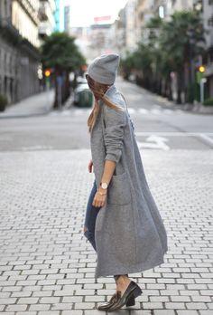 cozy long grey coat & beanie | bartabac