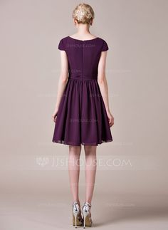 A-Line/Princess V-neck Knee-Length Chiffon Bridesmaid Dress With Ruffle (007053517)