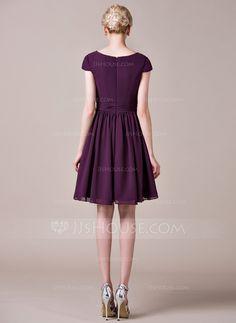 A-Line/Princess V-neck Knee-Length Chiffon Bridesmaid Dress With Ruffle (007053517)